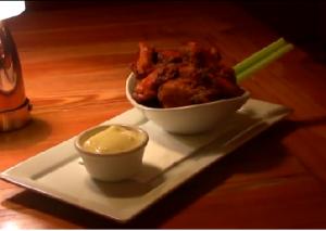 Blues bar, chicken wings